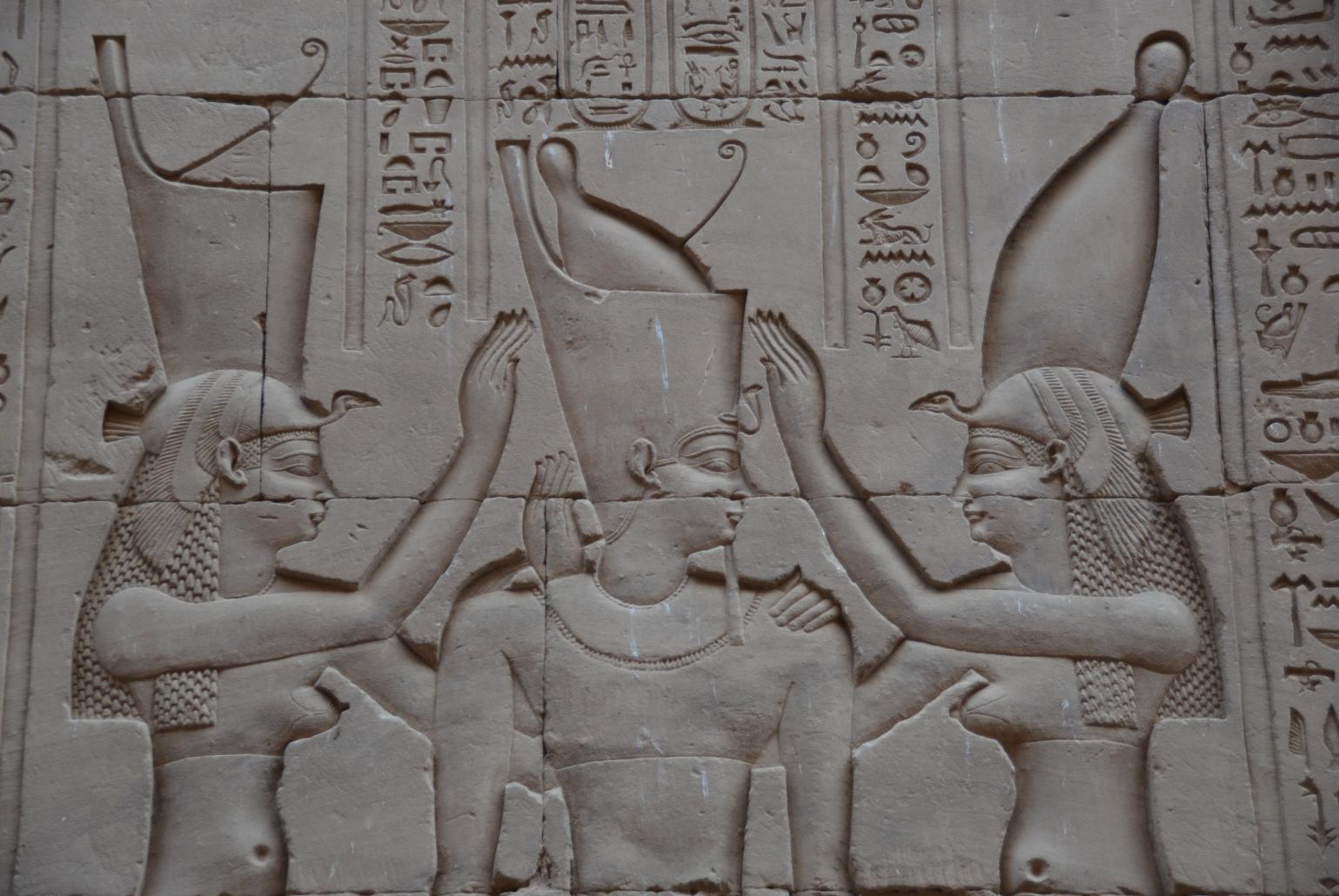 Wandreliefs erzählen vom Leben der alten Ägypter