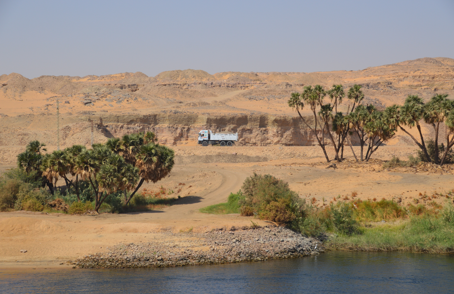 Wunderschöne Landschaften entlang des Nil-Ufers