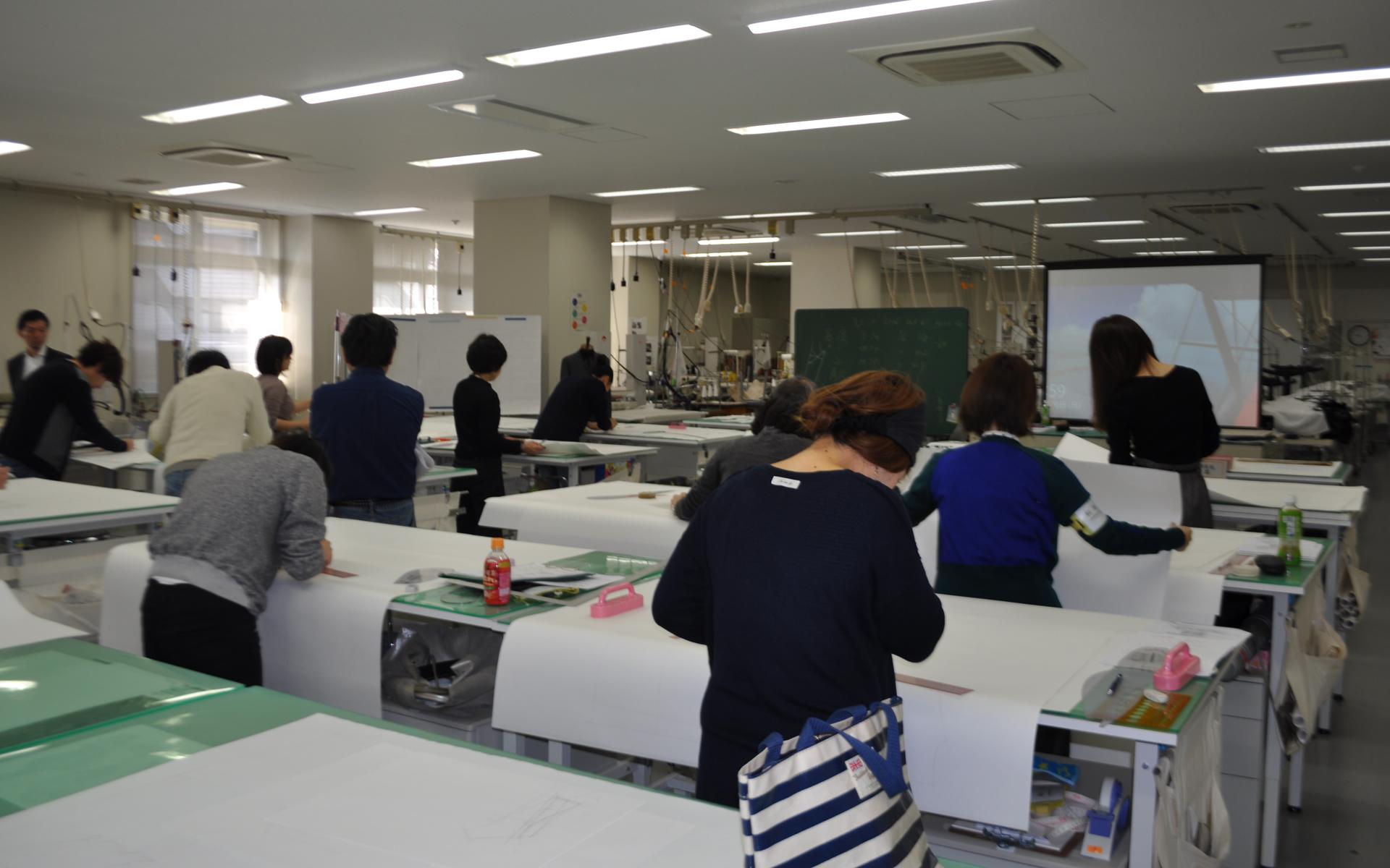 東京・名古屋・大阪にて技術力高進のためのセミナー・実習を行っています(年間5回程度予定)