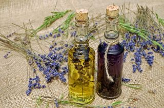 Natur Öl Glas Flaschen Kräuter Mazerat