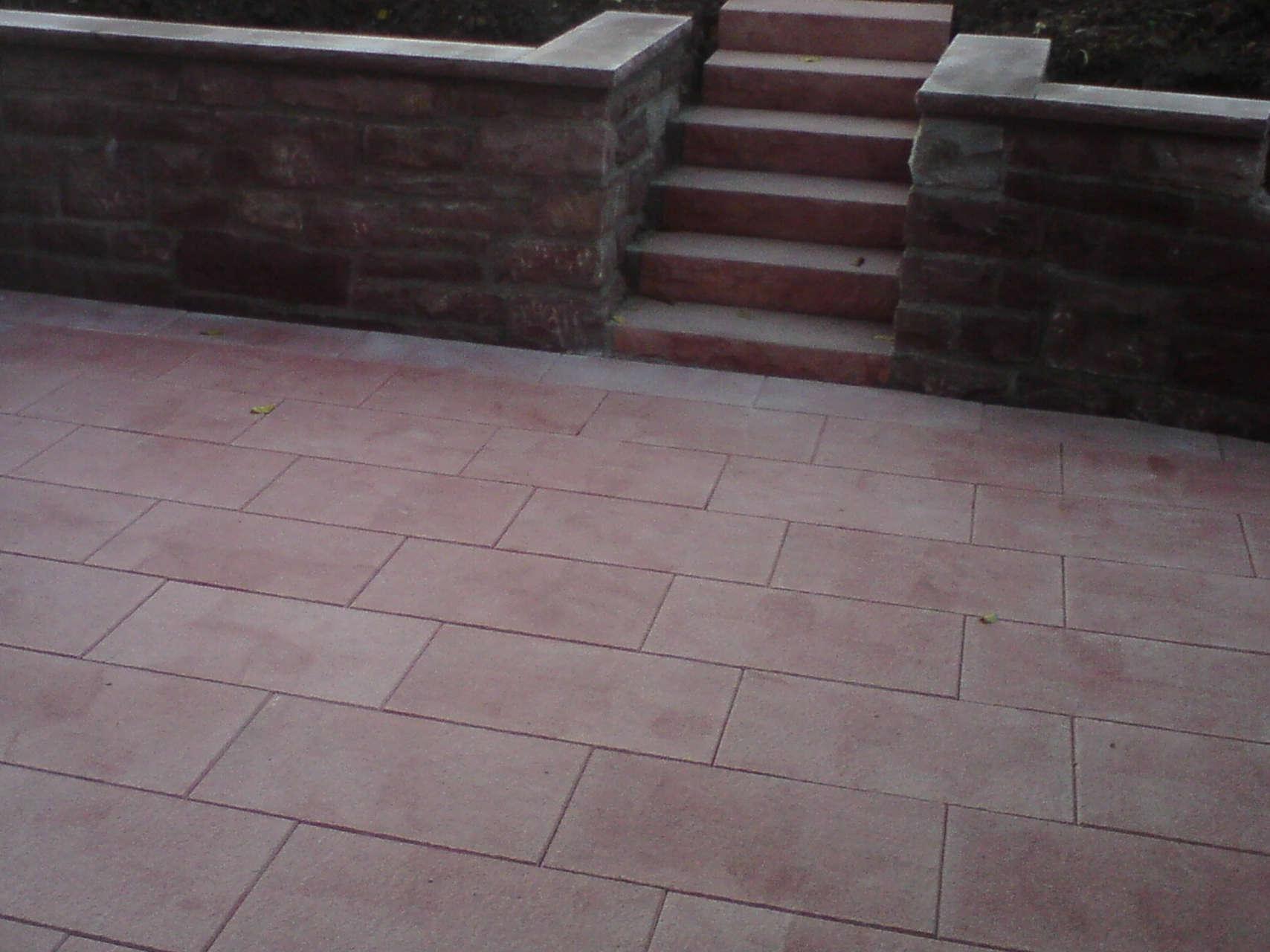 Terrasse aus Betonplatten