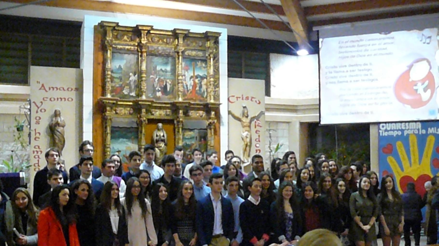 Confirmaciones: 52 jóvenes de nuestra parroquia fueron confirmados el 13 de Febrero de 2016