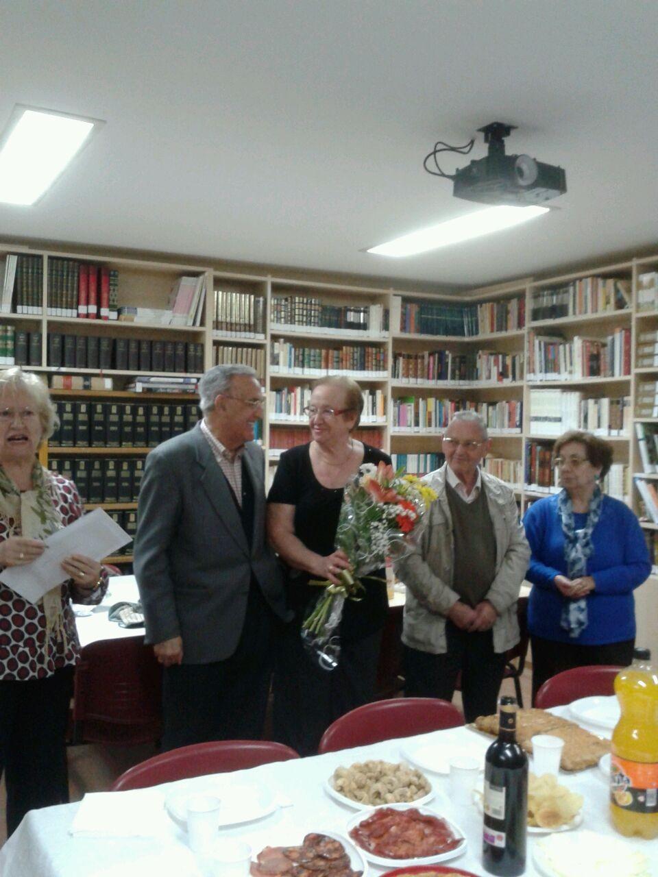 Celebración 50 aniversario de matrimonio en el grupo de adultos