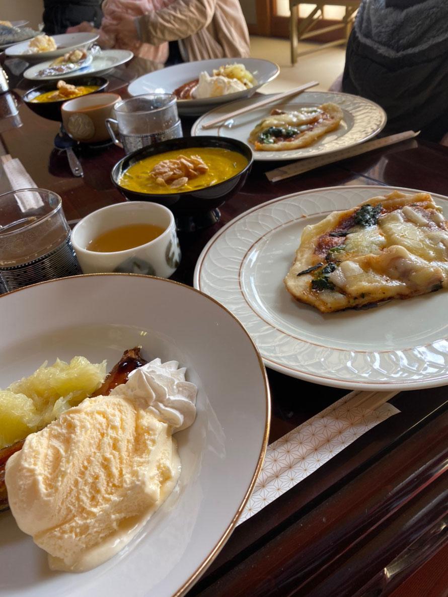 お料理教室で作ったバナナと晩白柚のデザート、ピザ、カボチャ豆乳スープなど