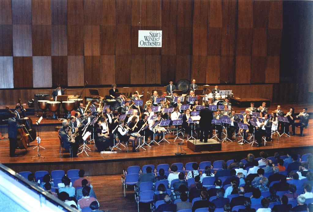 Orchester unter M. Neumann