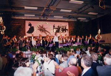 Orchester unter U. Voss