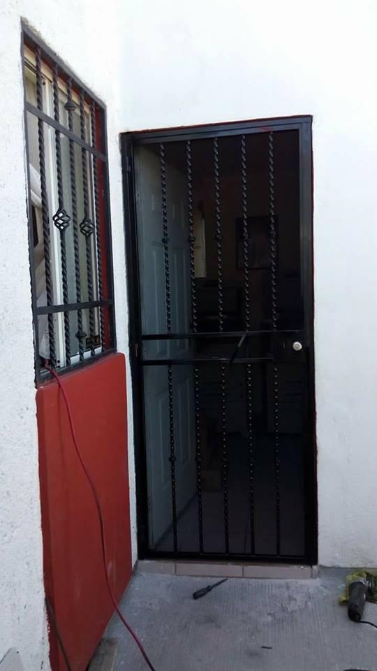 """Metal Desplegado en Malla Mosquitera MOSQUIRED para puertas y ventanas en Rollo y Hoja de Metal Desplegado CC """"GRUDISA"""""""