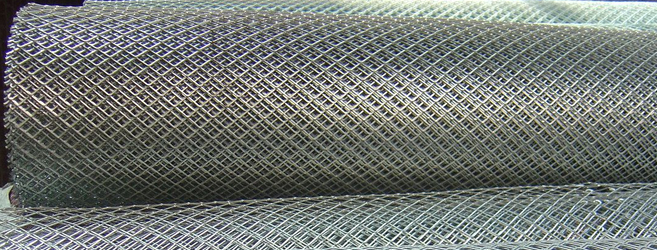METAL DESPLEGADO EN ROLLO (LÁMINA o MALLA DESPLEGADA) PLANCHADO Y SIN PLANCHAR 11 m DE LARGO