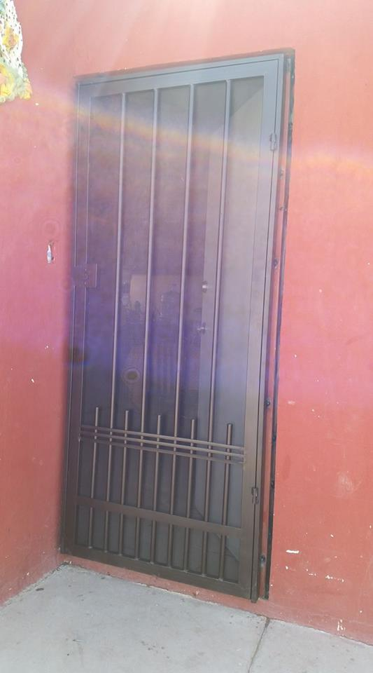 """Metal Desplegado en Malla Mosquitera MOSQUIRED para puertas y ventanas en Rollo y Hoja de Metal Desplegado AZ """"GRUDISA"""""""
