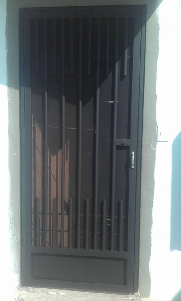 """Malla Mosquitera MOSQUIRED para puertas y ventanas en Rollo y Hoja de Metal Desplegado DS """"GRUDISA"""""""