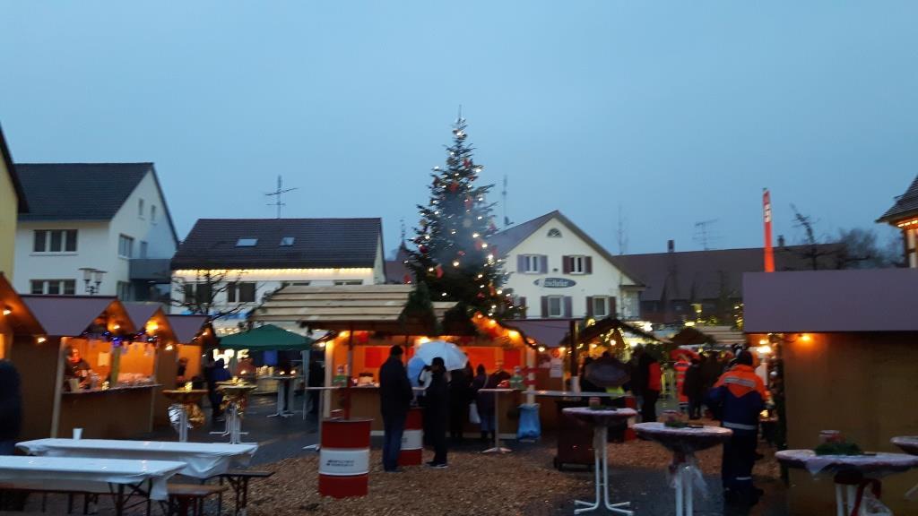 Dezember - Weihnachtsmarkt
