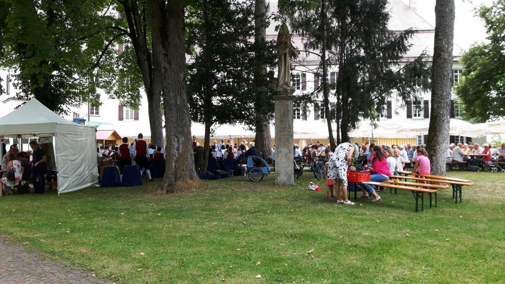 Juni - Kirchplatzfest
