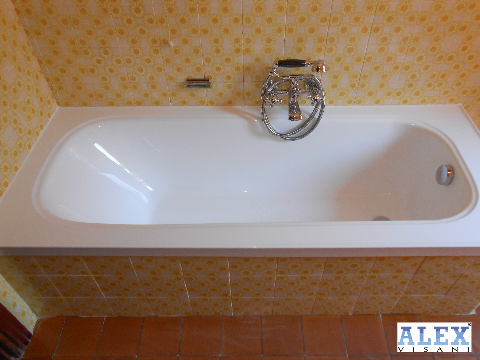 Vasca Da Bagno Rovinata : Sovrapposizione vasca da bagno realizzata a siena alex