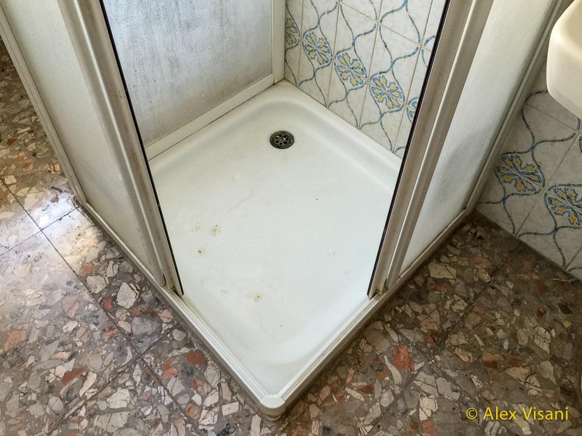 Sostituzione piatto doccia a cecina livorno alex vasche firenze