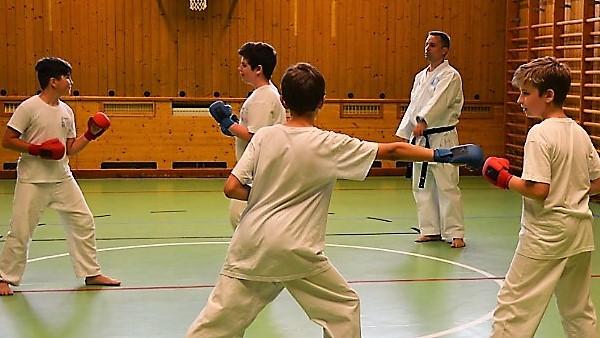 Kampfsport für Gymnasiasten und Mittelschüler
