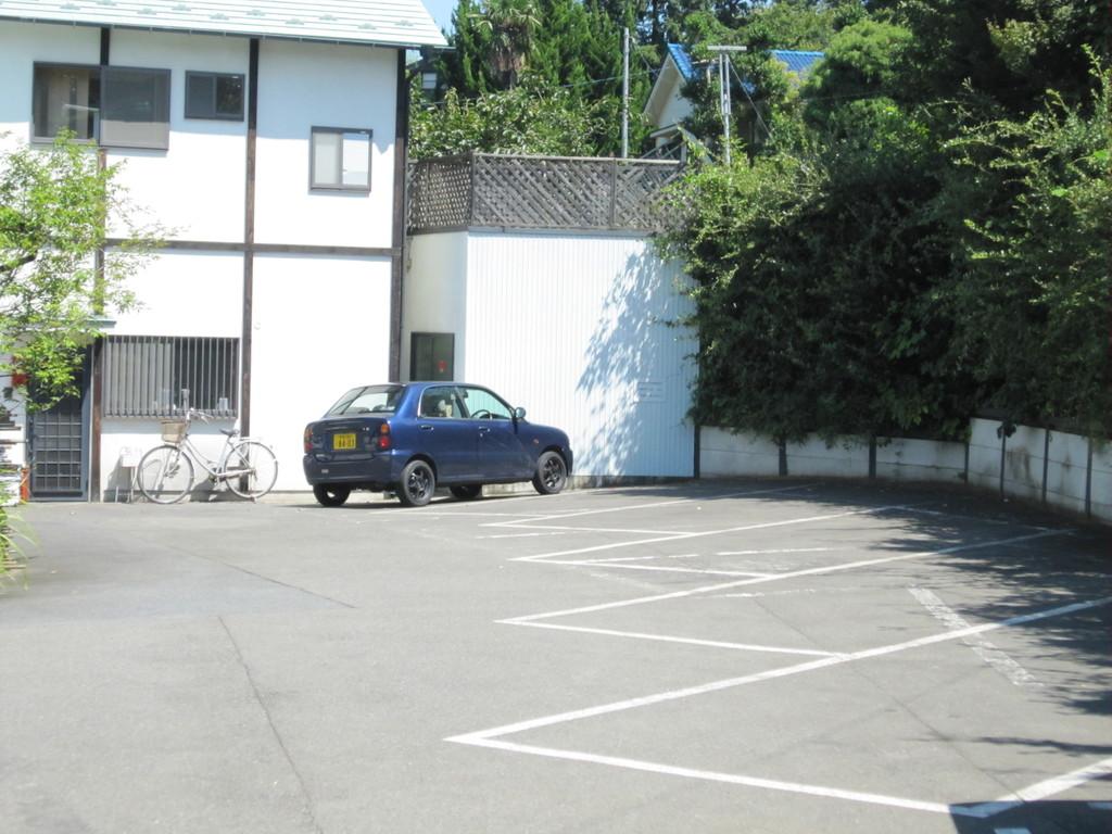 第一駐車場7台まで  第二駐車場60台