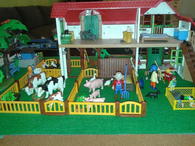 Daniel ( Madrid ) Diorama granja Playmobil