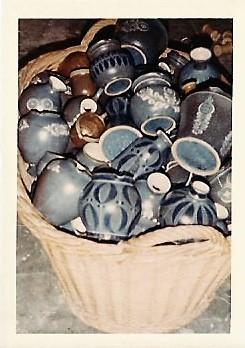 Die Ware aus dem Ofen wurde in Körbe gepackt und dann im Lager einsortiert.