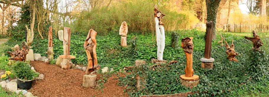Skulpturen-Garten von Käte Huppenbauer mit Kunst aus Holz, Ton, Speckstein, Holzwurzeln, Ausstellungsdauer März bis Oktober 2019