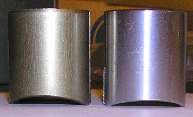 Bild: Gasschieber mit CUT 2.5 (links, RD250 original) und Cut 2.0 (rechts)
