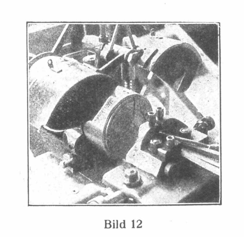 Bild 12: Die Kloben werden an der Innenseite  ausgedreht.