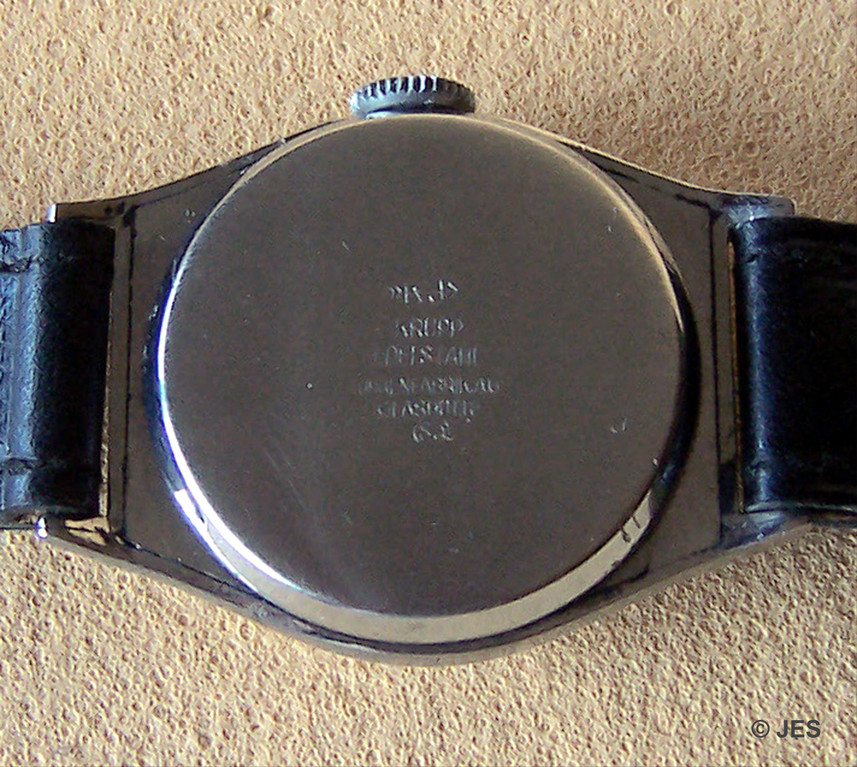 Druckboden mit Herstellerkennung des Gehäuseherstellers und der Uhrenfabrik Glashütte AG (UFAG)