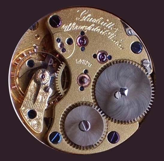 Das Werk hat einem Durchmesser von 28 mm