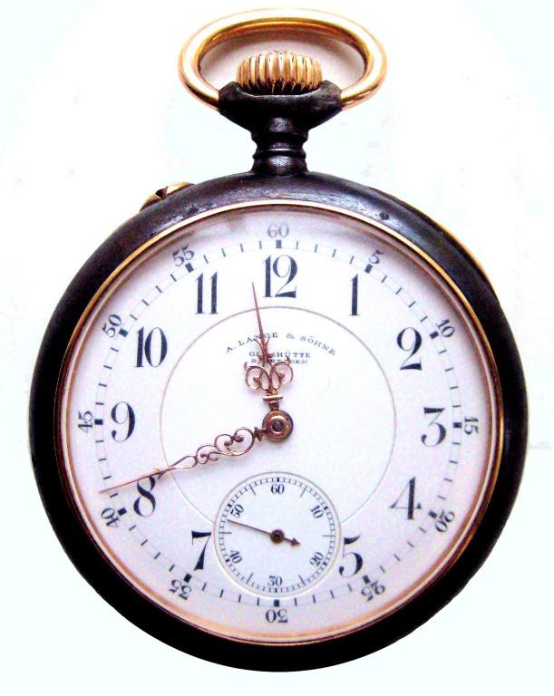 Taschenuhr von A.Lange & Söhne bei der das Goldgehäuse im 1.Weltkrieg gegen ein Eisengehäuse getauscht worden ist.