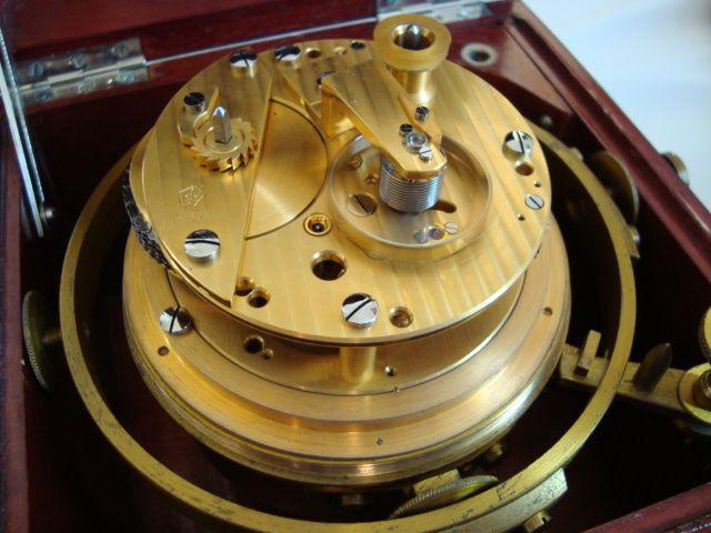 1. Werkansicht des 3-Pfeiler-Chronometers sowjetischer Bauart