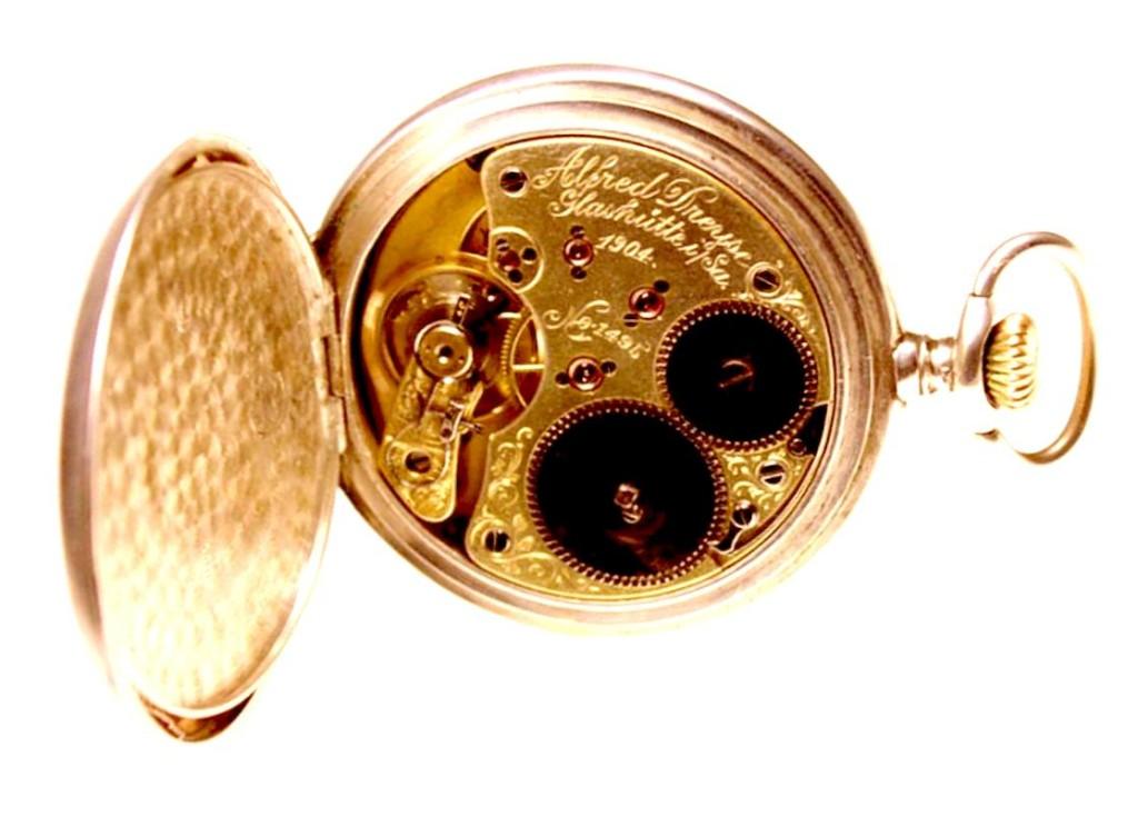 Das Werk mit den Initialen des Uhrmachers, dem Herstellungsjahr & der Nummer der Arbeit