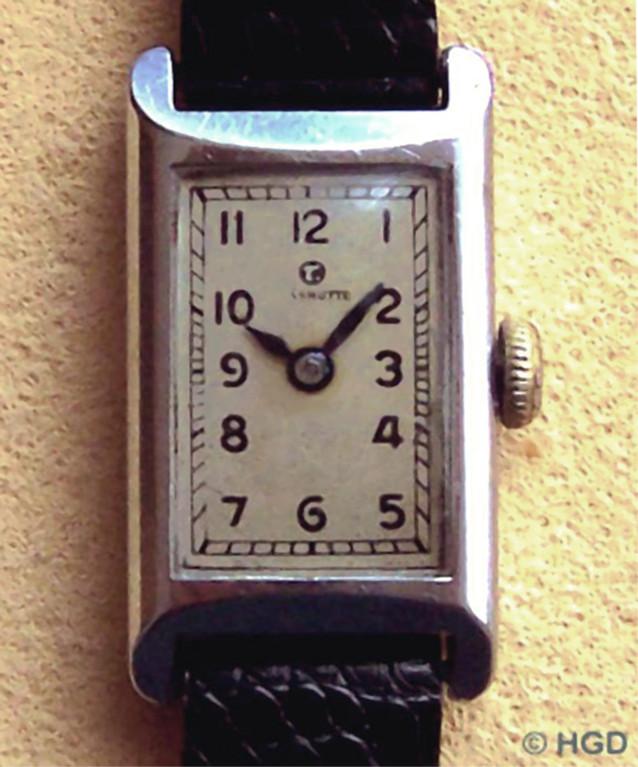 Tutima Damenuhrmodell der Uhrenfabrik Glashütte AG im Edelstahlgehäuse