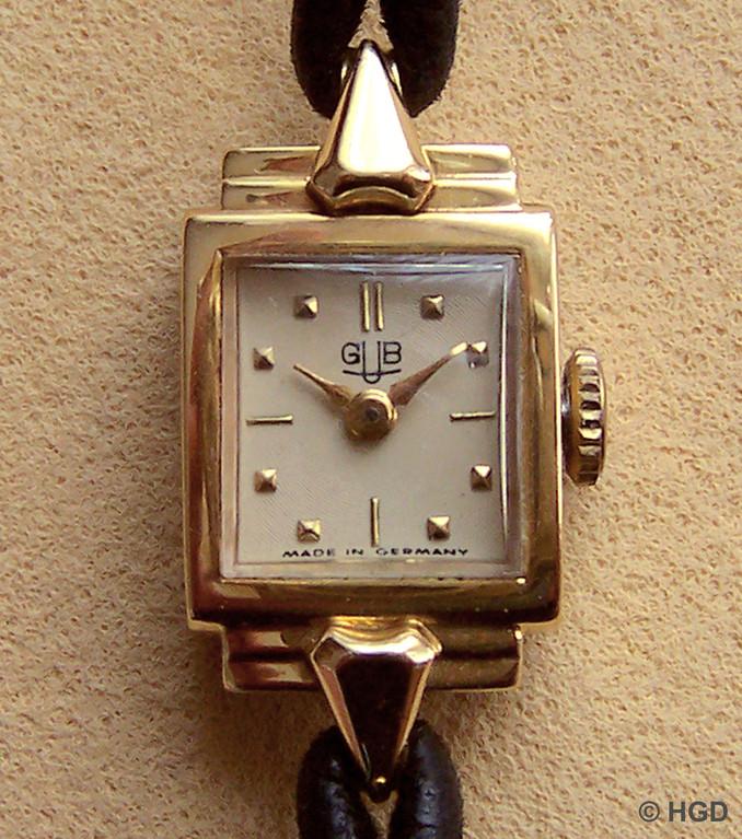 Frontansicht, Gehäuse mit 20 Mikron 585er Gold vergoldet
