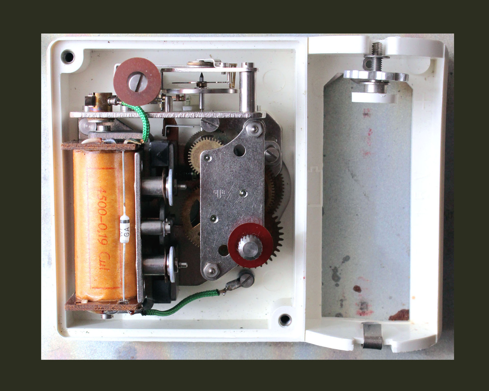 """Werk der elektromechanischen Wohnraumuhr """"elektrochron"""" Kal. 49-11"""