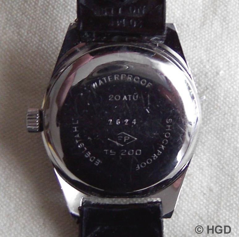 Rückseite mit Edelstahldruckdeckel der 1.GUB Taucheruhr