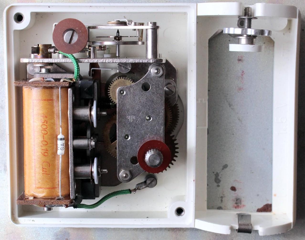 Offenes Werkgehäuse mit Kaliber 410 & Batteriefach