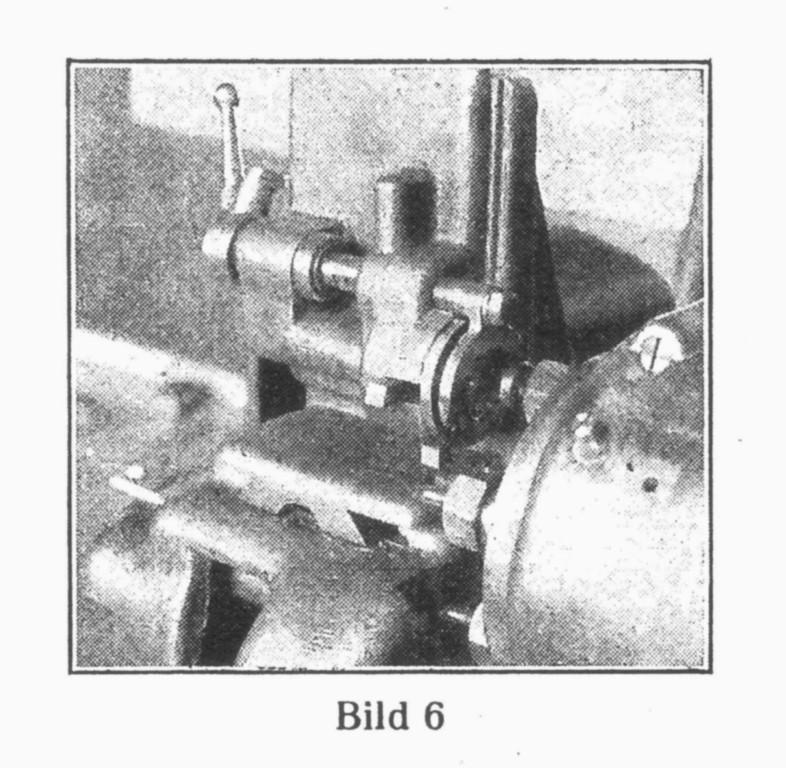 Bild 6: Automatische Maschine für fünf verschiedene Ausfräsungen ohne Verstellung der Werkplatte.