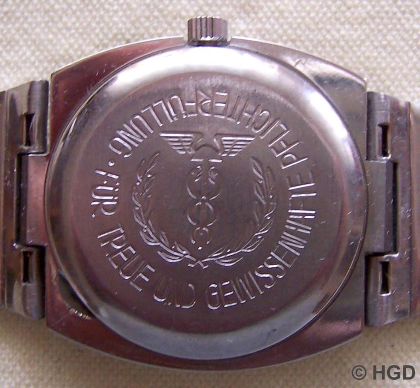 Spezimatic Kal.75, Auszeichnungsuhr der Zollverwaltung der ehemaligen DDR im aus der Bundesrepublik importierten Edelstahlgehäuse