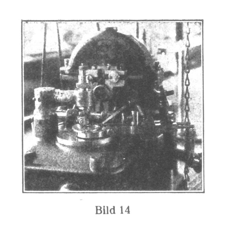 Bild 14: Halbautomatische Maschine, in der die Stellstifte in den Kloben befestigt werden.