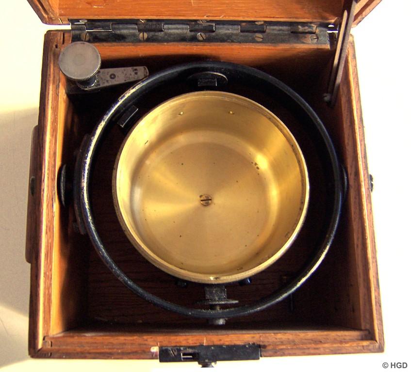 100 mm Gehäusetopf zur Aufname eines Marinechronometers