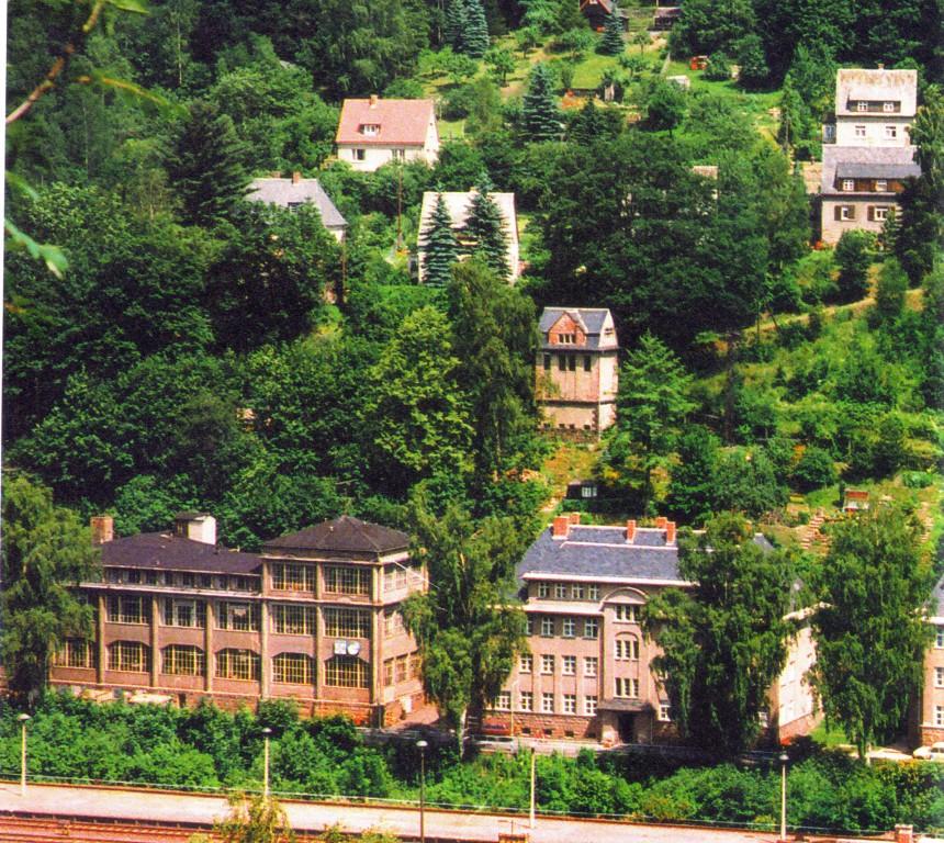 Das Gebäude der Rohwerkefertigung 1990