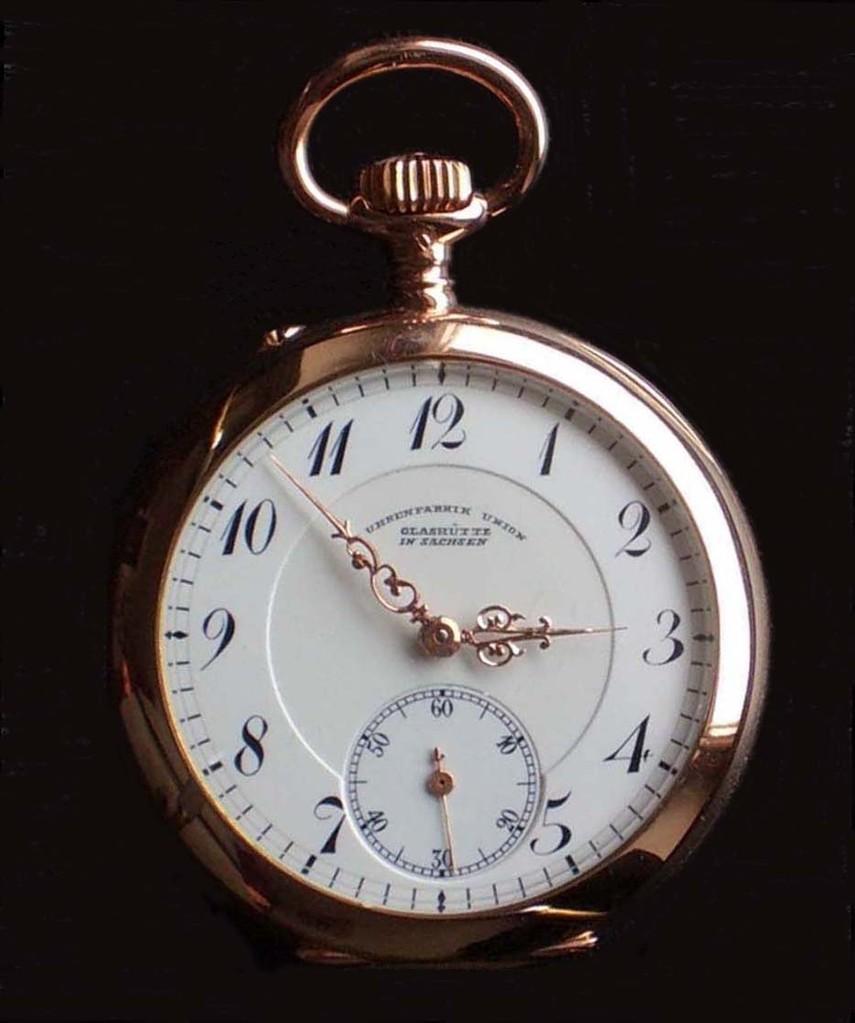 Der Durchmesser der Uhr beträgt 34 mm