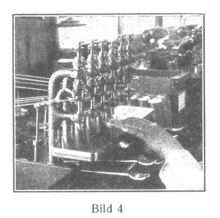 Bild 4: Auf halbautomatischen Maschinen werden die Löcher in die Platten gebohrt.
