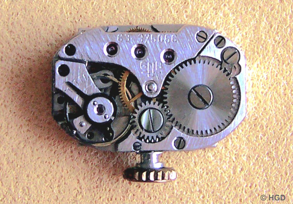 Das Werk der gezeigten Uhr aus dem Jahr 1960 nur noch mit Ringunruh