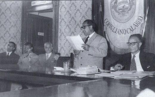 Mario Falcone (Commissario)