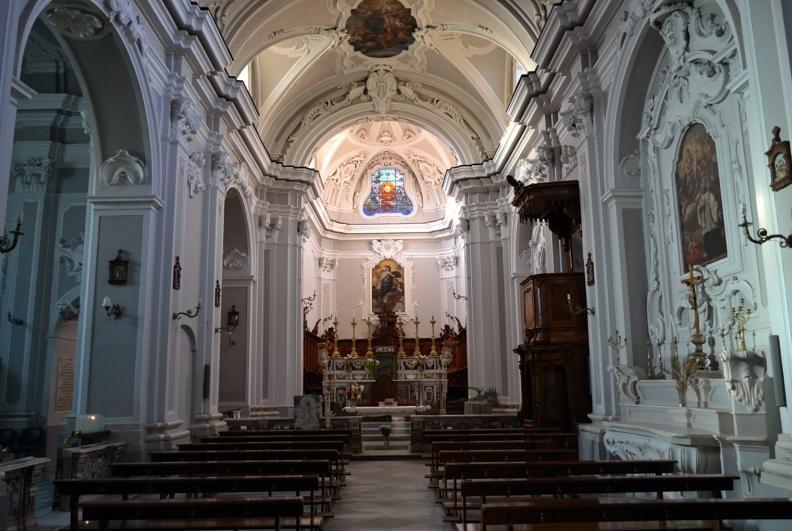 Interno della chiesa di S. Maria Maggiore