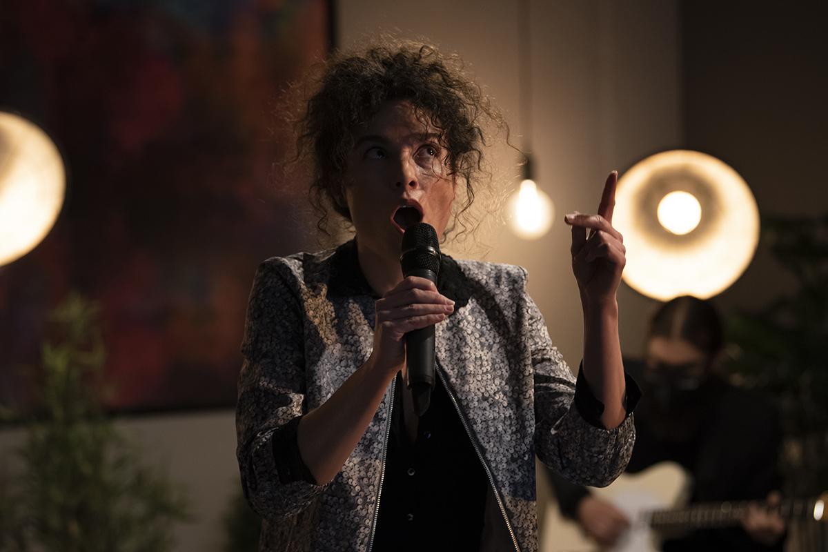 Ukraine, «Gainsbourg ou Gainsbarre?»: la francophonie en musique avec Iris Munos