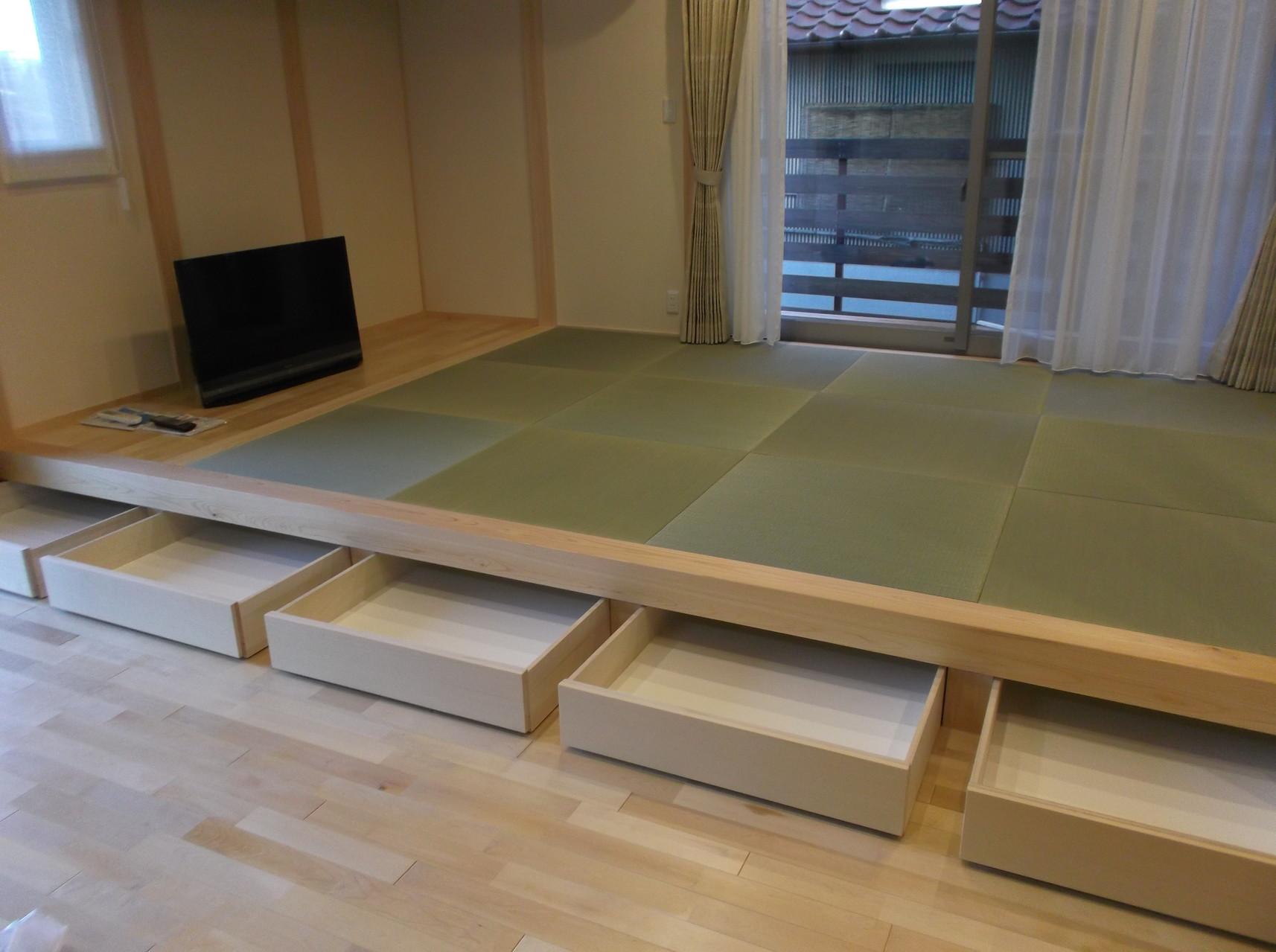 畳の下には収納スペース 造付家具