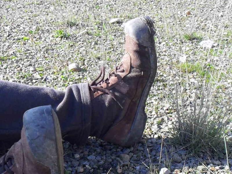 mi bota sin suela y del 48