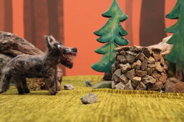 Der  Der Wolf geht zum Brunnen um seinen durst zu stillen und stürzt hinab