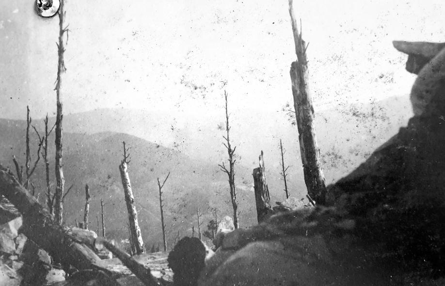 Deutsche Schützenstellung am Reichackerkopf 1915